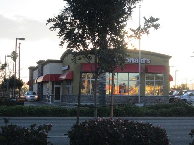 McDonalds, Apple Valley, CA